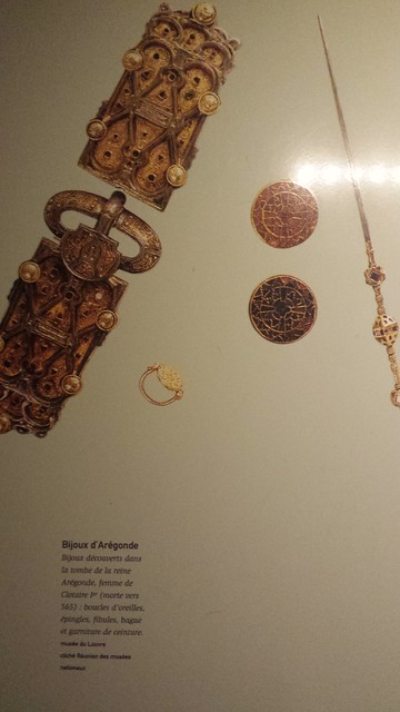 Jewellery from the grave of Queen Aregond