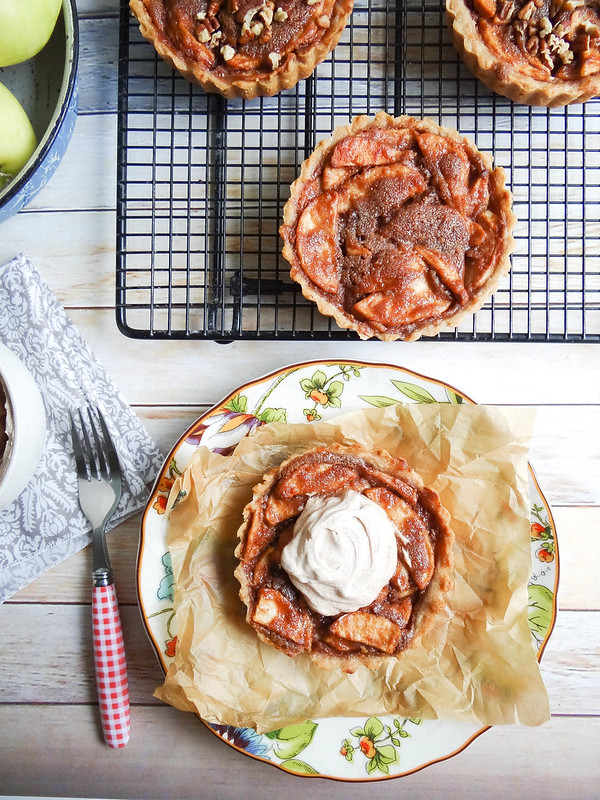 SMBP // Maple Peanut Butter Apple Tarts