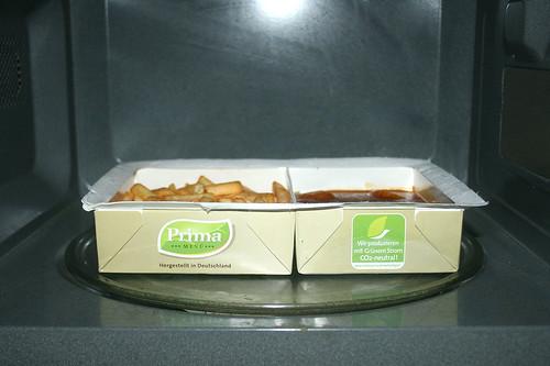 05 - Prima Currywurst mit Pommes - In Mikrowelle erhitzen / Heat in microwave