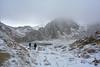 Lac Agoulmime complètement gelé par le froid hivernal