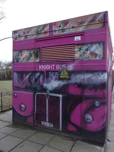 KNIGHT BUS eine weitere Bus - Graffiti von vorn in Dresden Tolkewitz 00056
