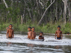 "Childrens of ""Sama"" Indigenous Community from Guainia"