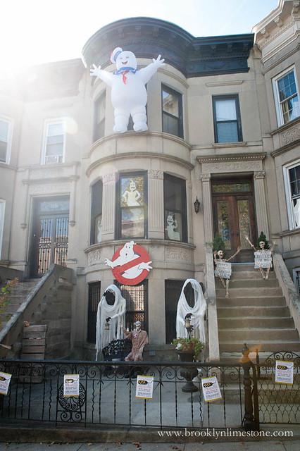 Ghostbusters Halloween Exterior| www.brooklynlimestone.com