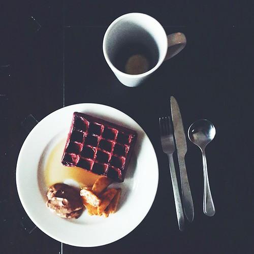 Done.  Red velvet waffles.  With chocolate mousse and sautéed apples.  #Sundaybreakfast #vscocam #vscogram #vscofood #instafood #instagood #foodagram #foodstagram #freshlymade #kitchenbutterfly #ilovebaking #bakersofinstagram #redvelvet #redvelvetwaffles