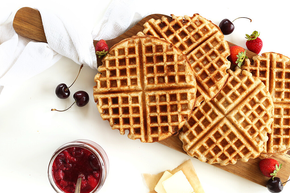 7-Ingredient-Vegan-Gluten-Free-Waffles-Perfectly-crispy-totally-customizable-and-just-ONE-BOWL-required-vegan-glutenfree