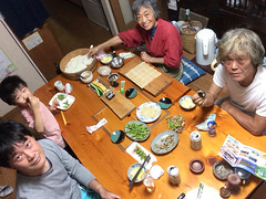 自分撮りスティックで晩御飯2014/9