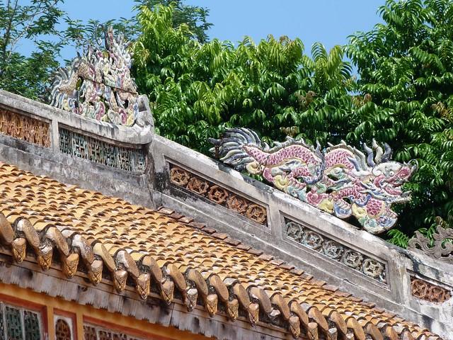 Tejado de una de las tumbas Nguyen en Hué (Vietnam)