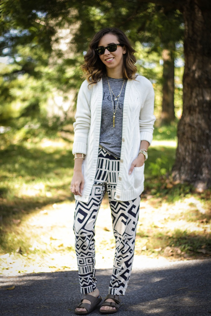 printed pants. boyfriend cardigan. graphic tee. birkenstock sandals. fall style. va darling. andréa viza. dc blog. dc blogger. dc fashion. 7