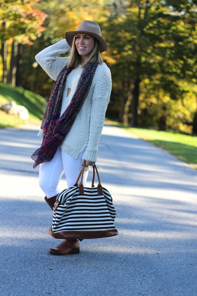 Fall Fashion | Oversized Sweater & White Jeans | #LivingAfterMidnite