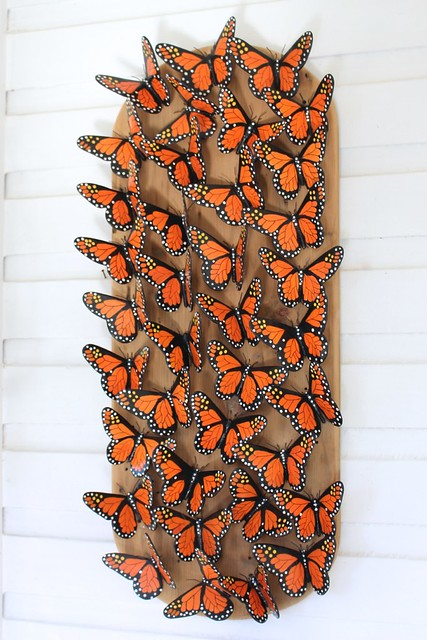 roland-peacock-wood-carving-butterfly