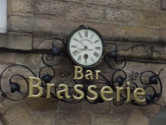 Bar Brasserie - The Old Courthouse - George Street, Buxton - clock and sign - Le Cacheur Chateau Thierry
