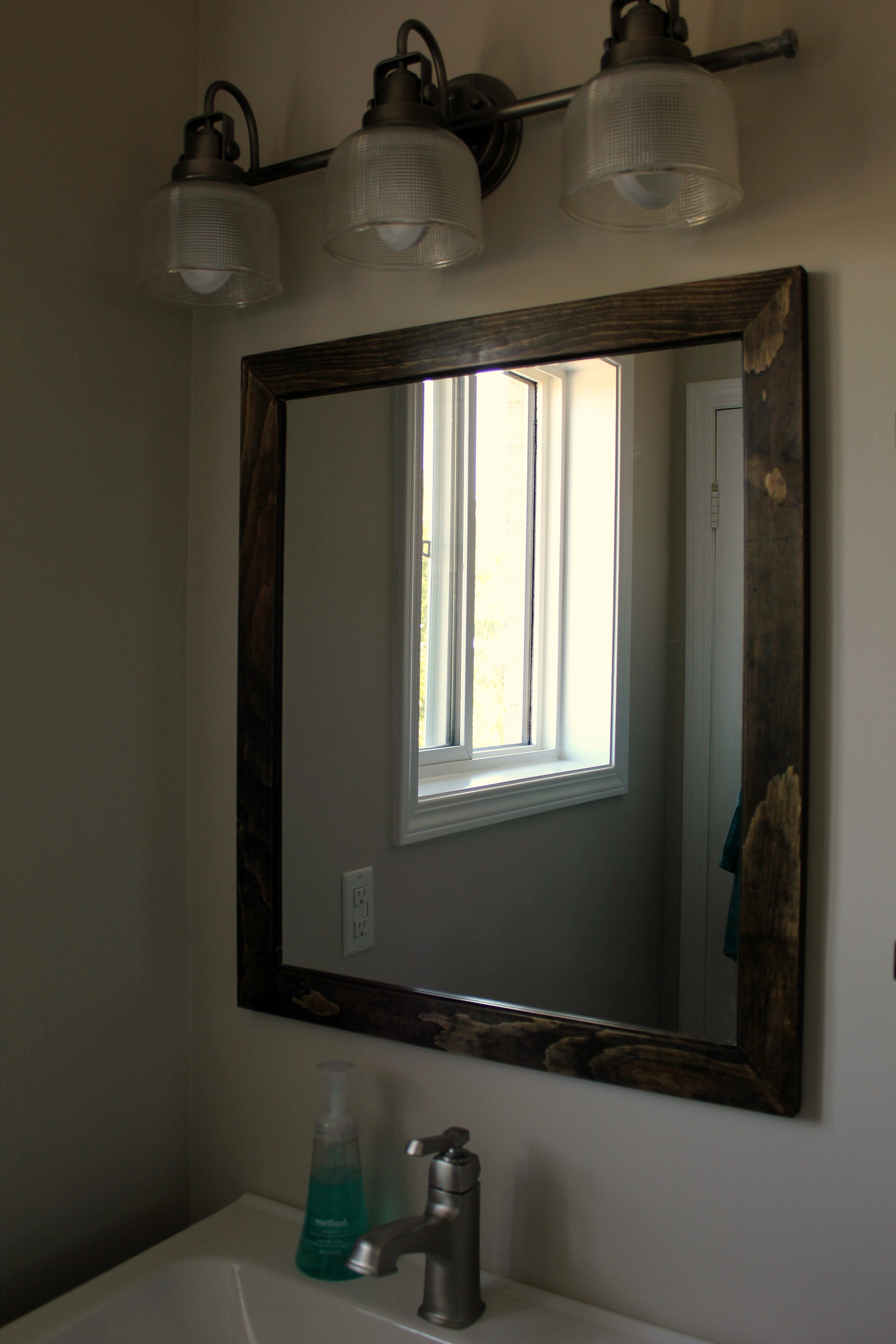 ensuite bathroom renovation custom mirror