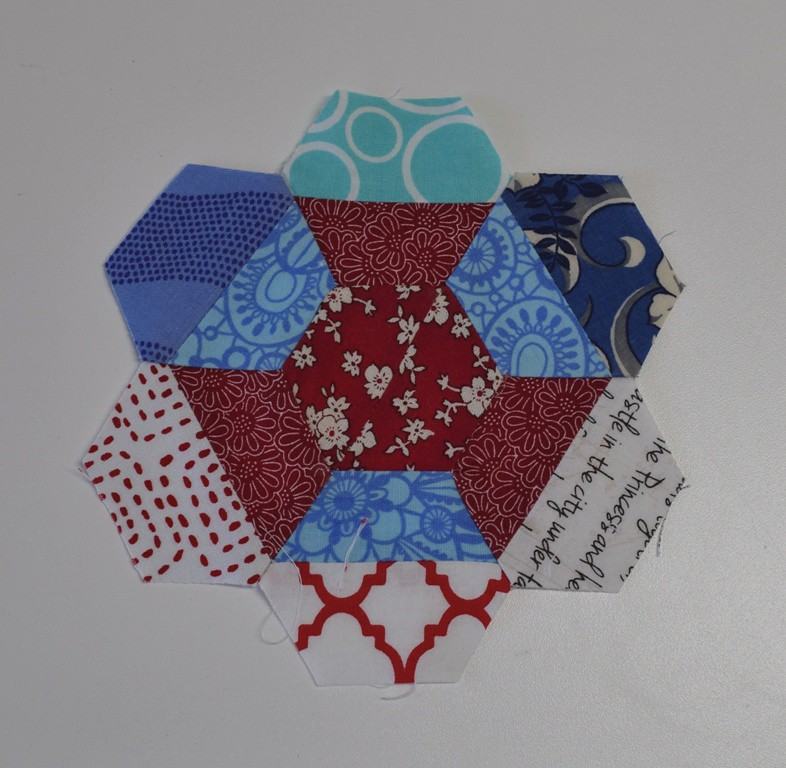 littlequiltsswap first hexagon