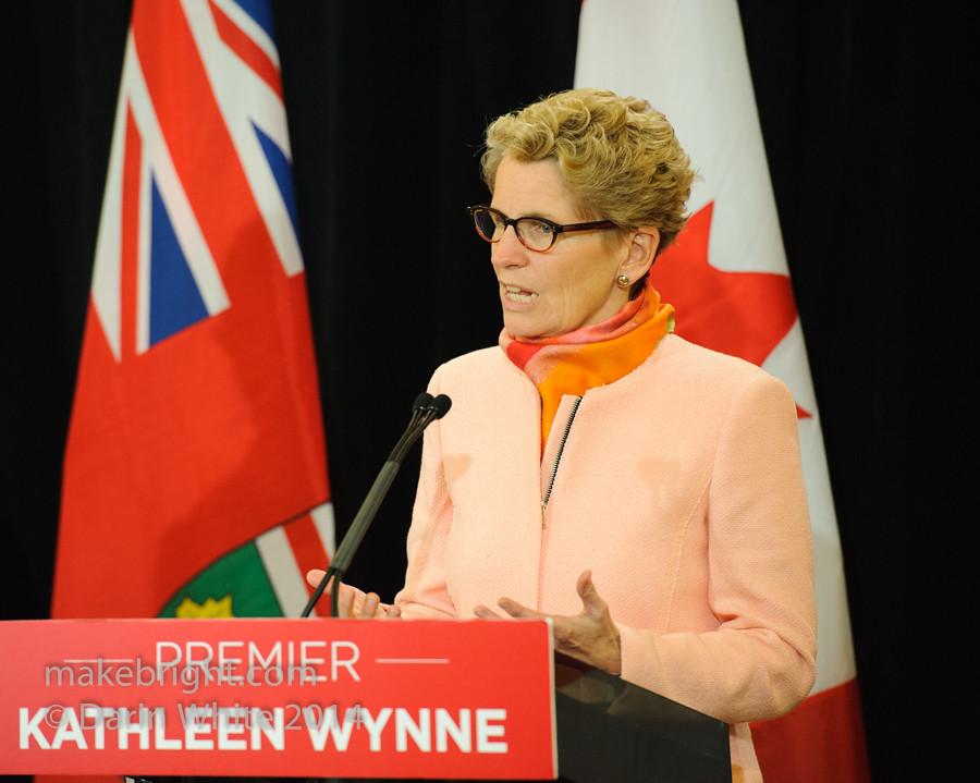 Premier Wynne scrum 2014-10-10-119
