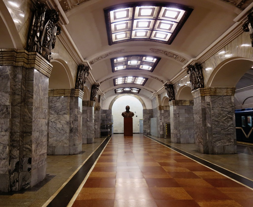 most beautiful metro stations in saint petersburg