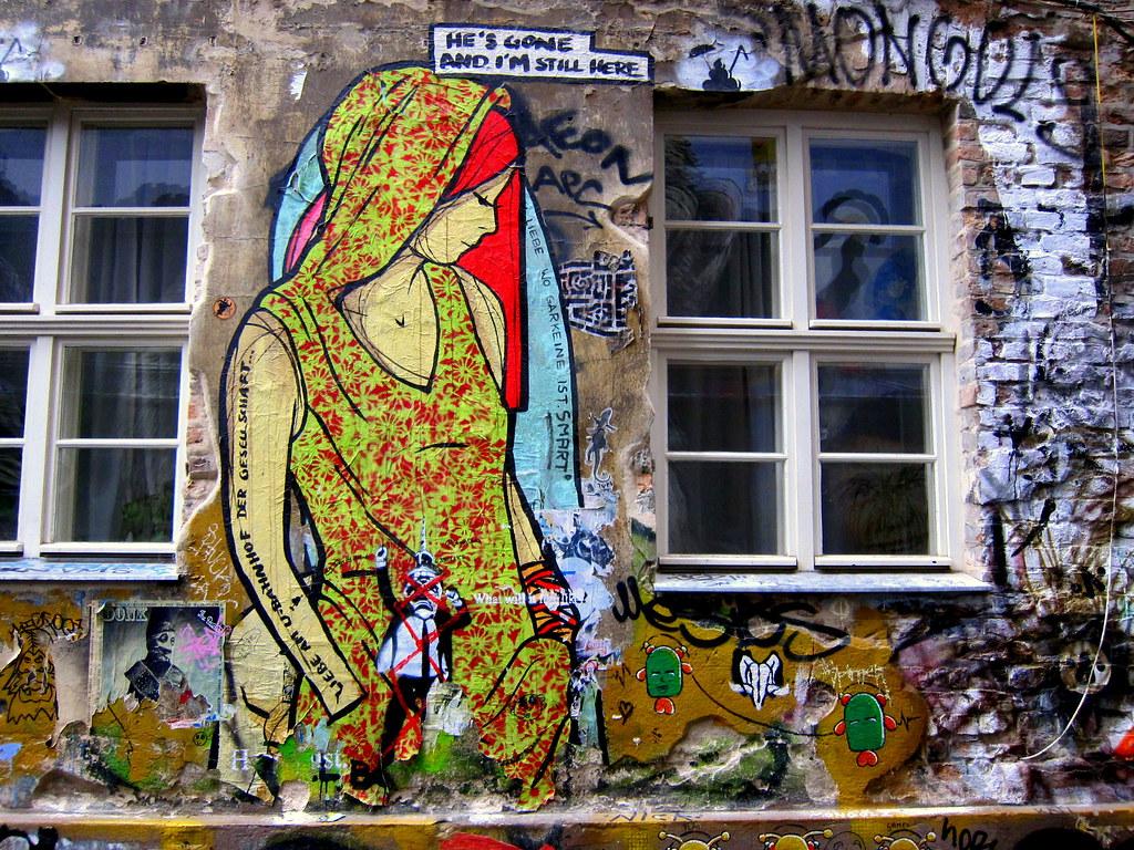 streetart   el bocho   berlin . haus schwarzenberg