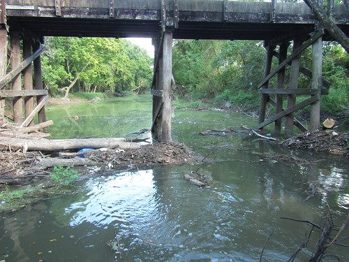 Derelict Bridge at Buzbee Drive, south/west side, looking downstream