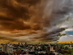 Nubes y amenazas - Clouds and threats
