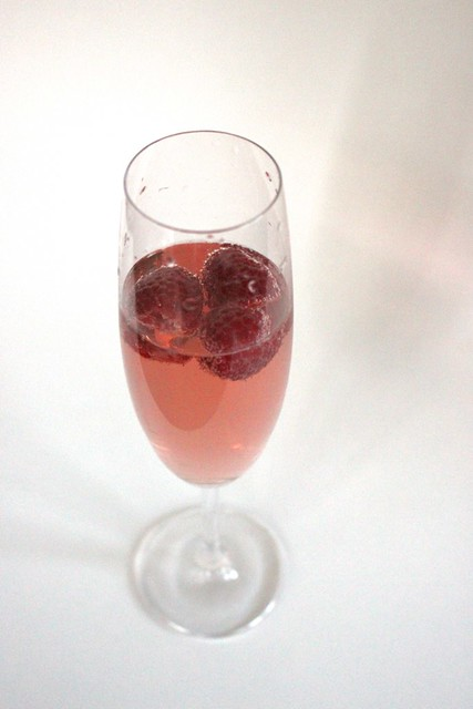 rosey-raspberry-spritzer-wedding-signature-cocktail