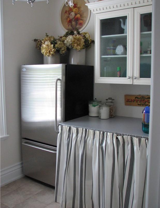 Clean & Simple   Laundry Room Decor   #LivingAfterMidnite