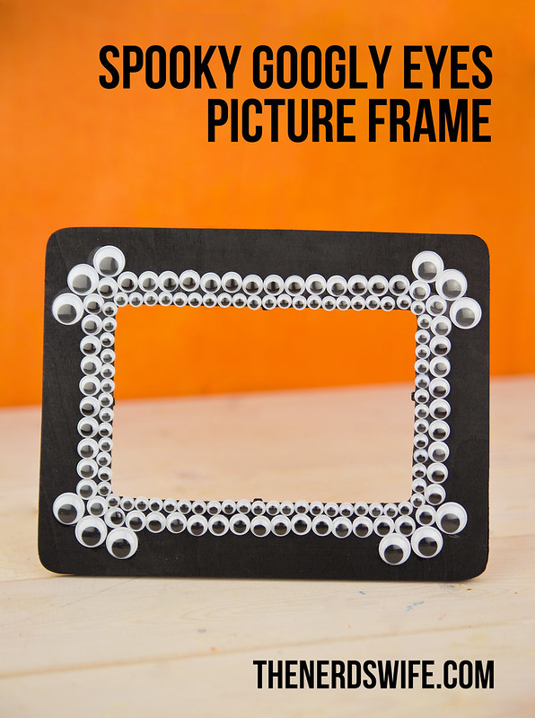 Spooky Googly Eyes Halloween Picture Frame