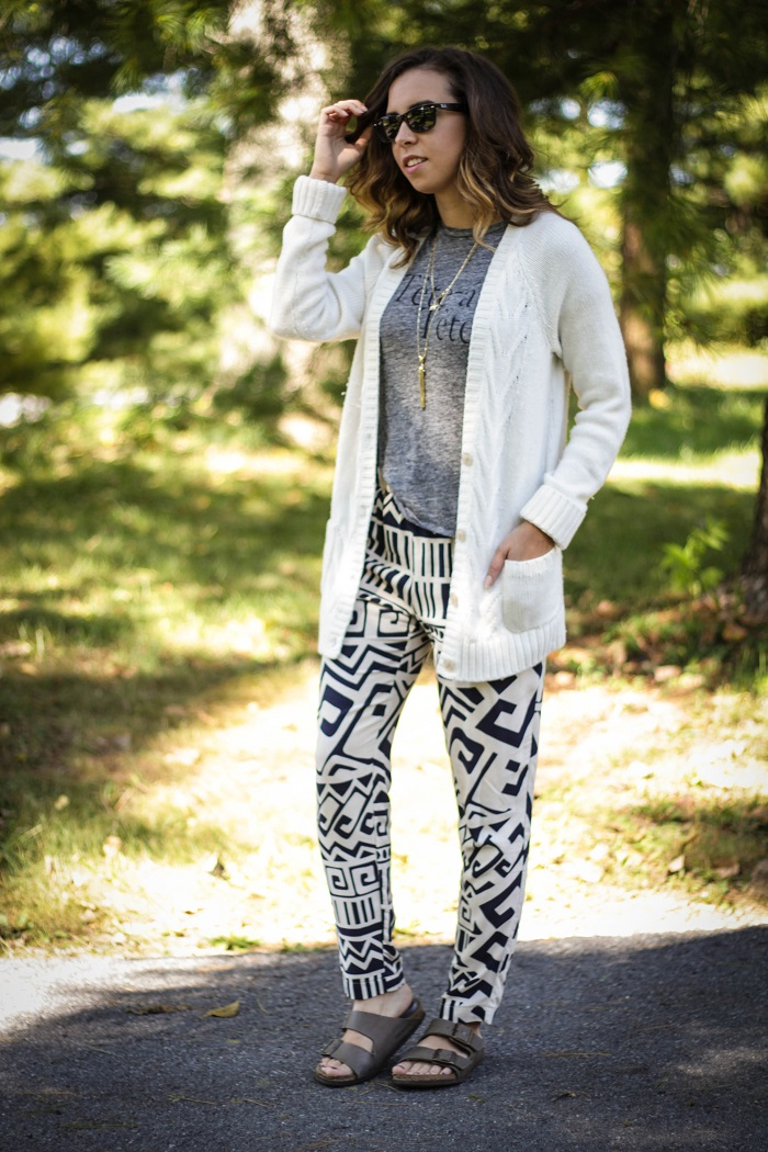 printed pants. boyfriend cardigan. graphic tee. birkenstock sandals. fall style. va darling. andréa viza. dc blog. dc blogger. dc fashion. 1