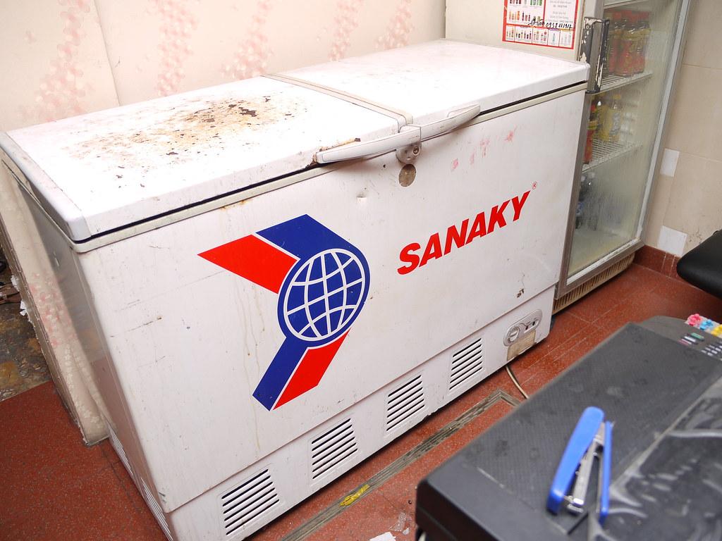 Tủ Lạnh - - thanh lý 2 tủ đông Sanaky 400l và Darling 180l...