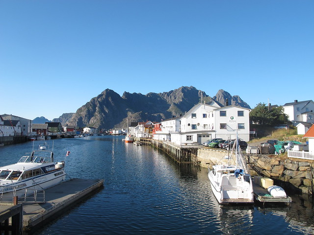 tuesday, henningsvaer
