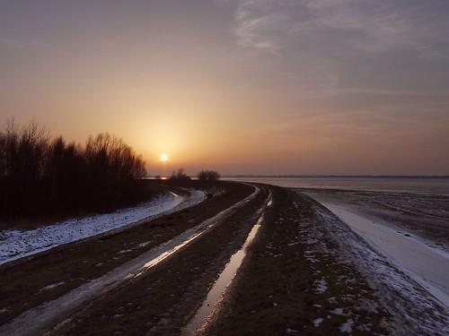road winter sunset sky lake snow nature landscape frost colours path poland polska jeziorsko
