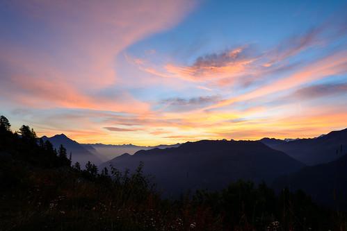 mountain montagne sunrise trek landscape switzerland suisse hiking paysage valais leverdesoleil randonnée finhaut tourduruan ilobsterit