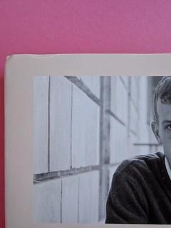Édouard Louis, Il caso Eddy Bellegueule. Bompiani 2014. Progetto grafico: Polystudio; Imm. alla cop.: ©Hans Neleman/Corbis; fotog. dell'autore: John Foley/Seuil. Quarta di sovracop. (part.), 4
