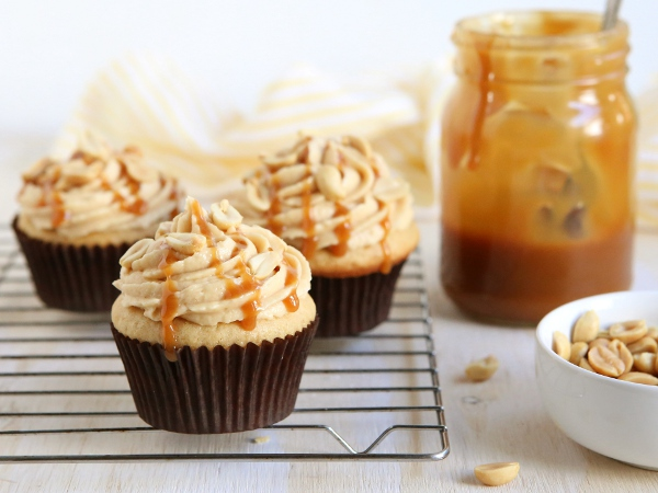 Peanut Butter Caramel Cupcakes | completelydelicious.com