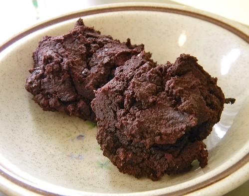 "Healthier Red Velvet ""Cake"" Cookies"