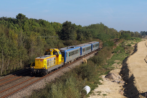 02 Octobre 2014 BB 69283 Train 511833 St Mariens-St-Yzan -> Bordeaux Marsas (33)