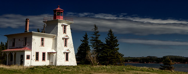 lighthouse at fort amherst5