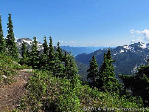 Views along the Artist Ridge Trail, Mount Baker-Snoqualmie National Forest, Washington