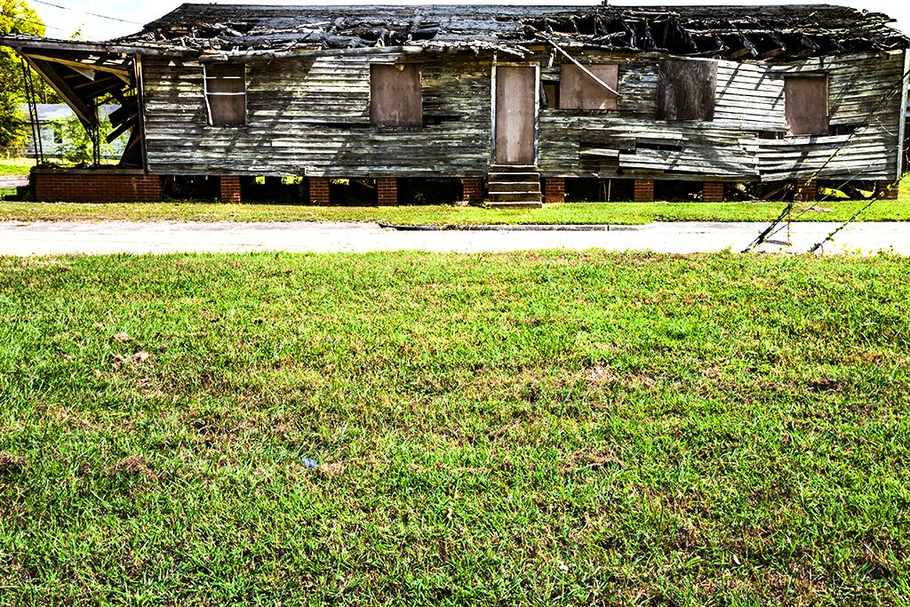 Abandoned-house-on-9-27-14--Jackson