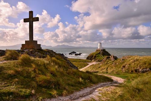 lighthouse wales island cross llanddwyn anglesey newborough