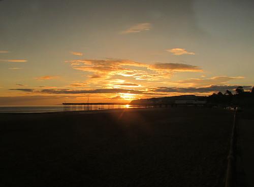 beach wales sunrise dawn bay pier resort colwyn