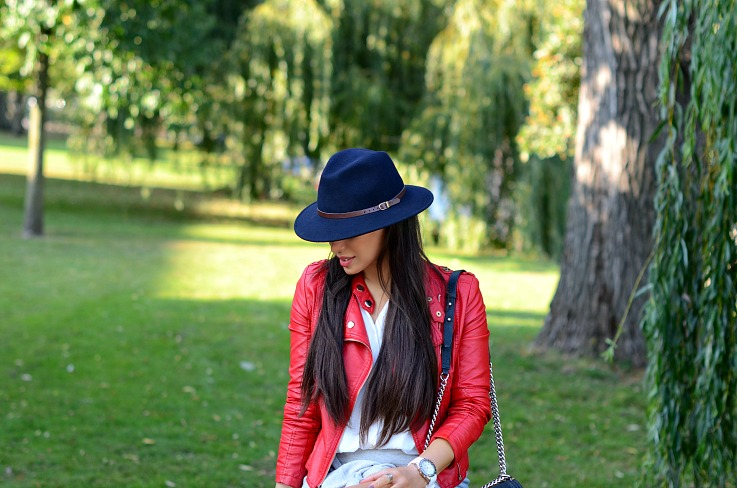 DSC_9831 Blue fedora hat, Red Biker Jacket, Tamara Chloé