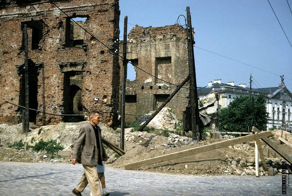 1958年华沙重建3