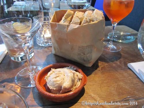 ©Essen in der Bullerei Brot mit Griebenschmalz