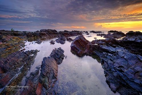 reflection sunrise rocks fujifilm rockybeach terengganu kualaterengganu singleexposure xt1 chendering pantaipandak nurismailphotography nurismailmohammed nurismail visitmalaysiayear2014