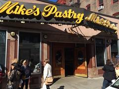 月, 2014-10-06 12:33 - Mike's Pastry