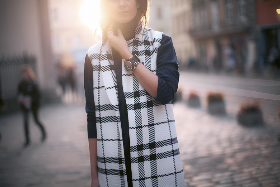 sleeveless-coats-fashion-bloggers