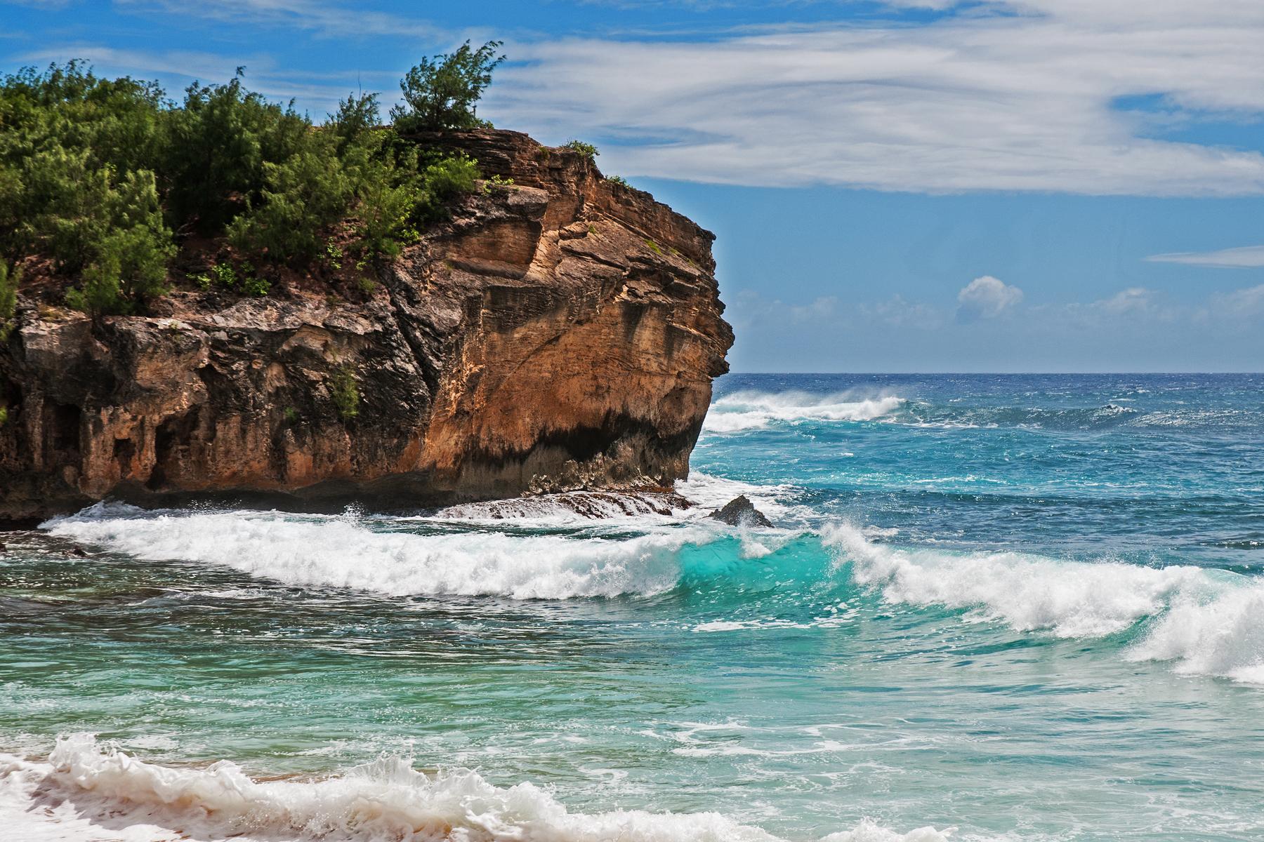 Surfers dream at Shipwreck Beach