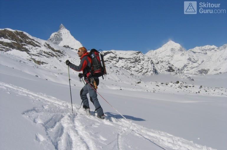 Rozdíly mezi lyžováním po sjezdovce, skitouringem a skialpem