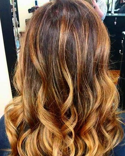 "#Hairpainting by Whitney @whitev1 Book your appointment today for your summer ""do""! 901.590.4380 #IAMGOLDWELL #Elumen #silklift #hair #hairstyles #balayage #Colormelt #longhairdontcare #modern #style #fashion #beauty #choose901 #ig #igdaily #igers #instag"