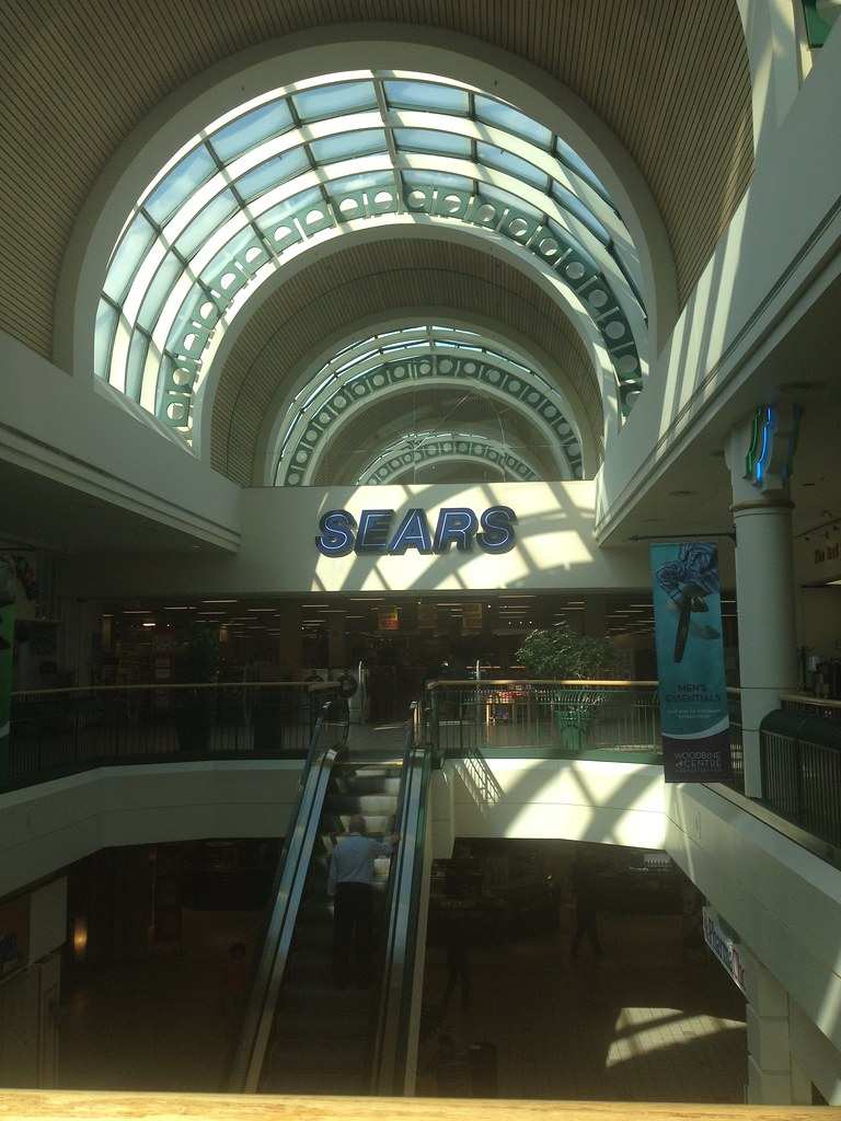Located 10 miles southwest of downtown Dallas, at the interchange between US 67 and Interstate 20, Southwest Center Mall is both an anachronism and an eyesore. But what an amazing eyesore it is. One needs only to take a look at the photos to understand what a unique specimen this is, in terms of design, decor, and blatant inadequacy. But let's dig a little deeper and try to figure out what.