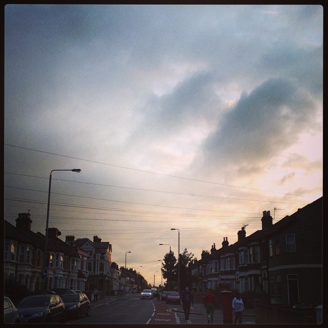 Oh bus, where art thou? #joysofcommuting #london #leyton #bus #sky